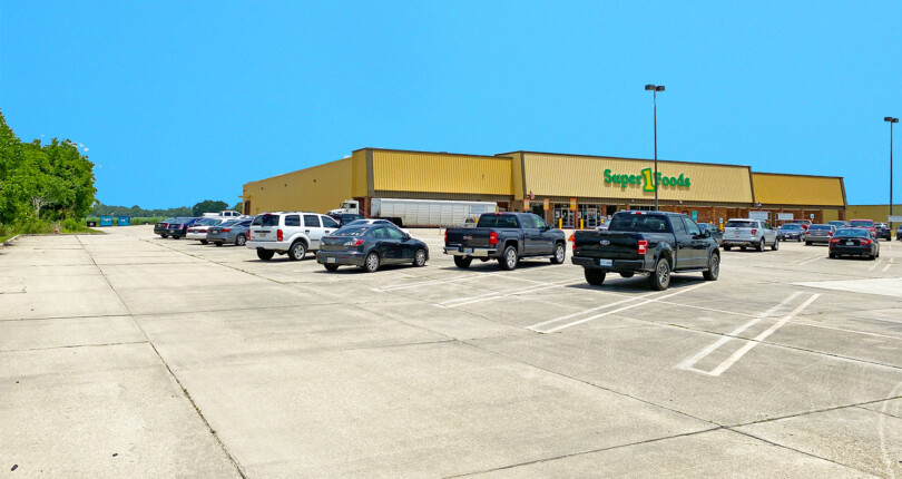Just Closed! Super 1 Foods Grocer NNN Lease