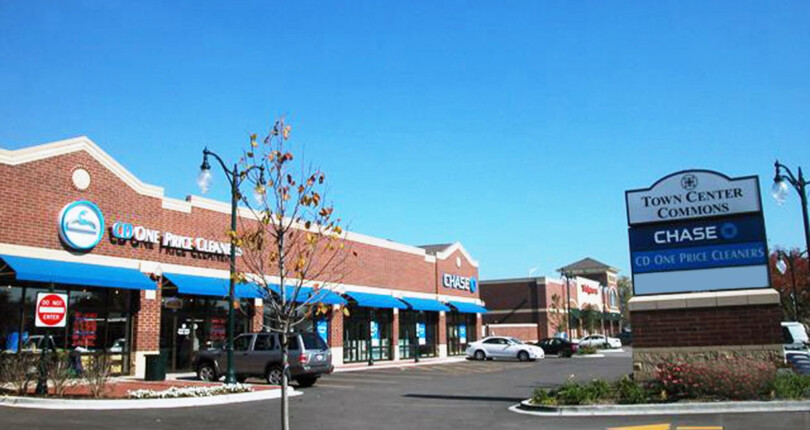 Just Closed! Chase Bank and CD One Price Cleaner 2 Tenant Retail Center in South Holland, Illinois