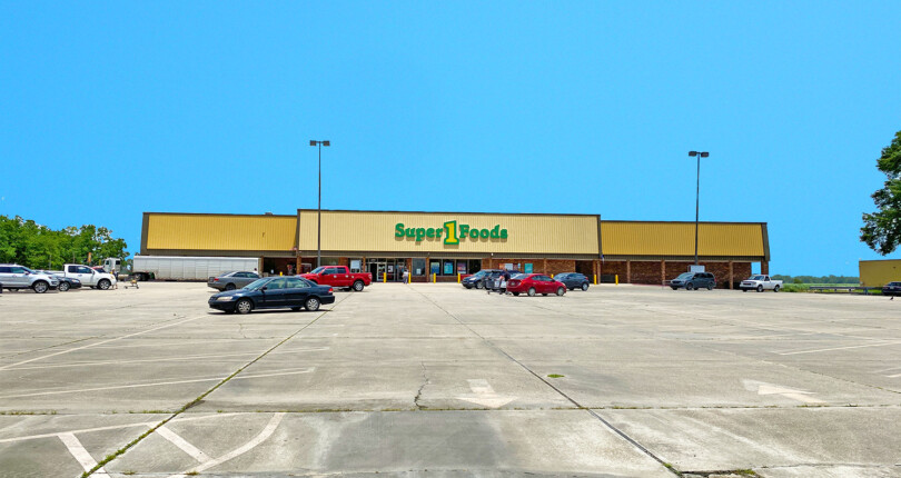 Available! Essential Tenant | Super 1 Foods Grocer NNN Lease